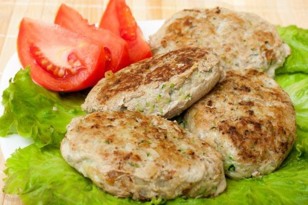 Fried chicken and vegetable burgers