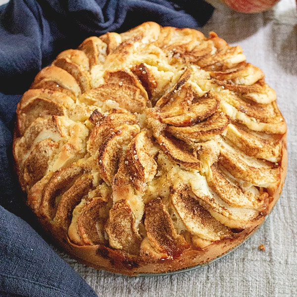 Easy German Apple Cake Recipe - Apfelkuchen